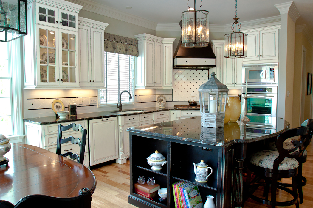 Cabinetworks_Williamsburg_Va-Beautiful_Bath_and_Kitchens-2